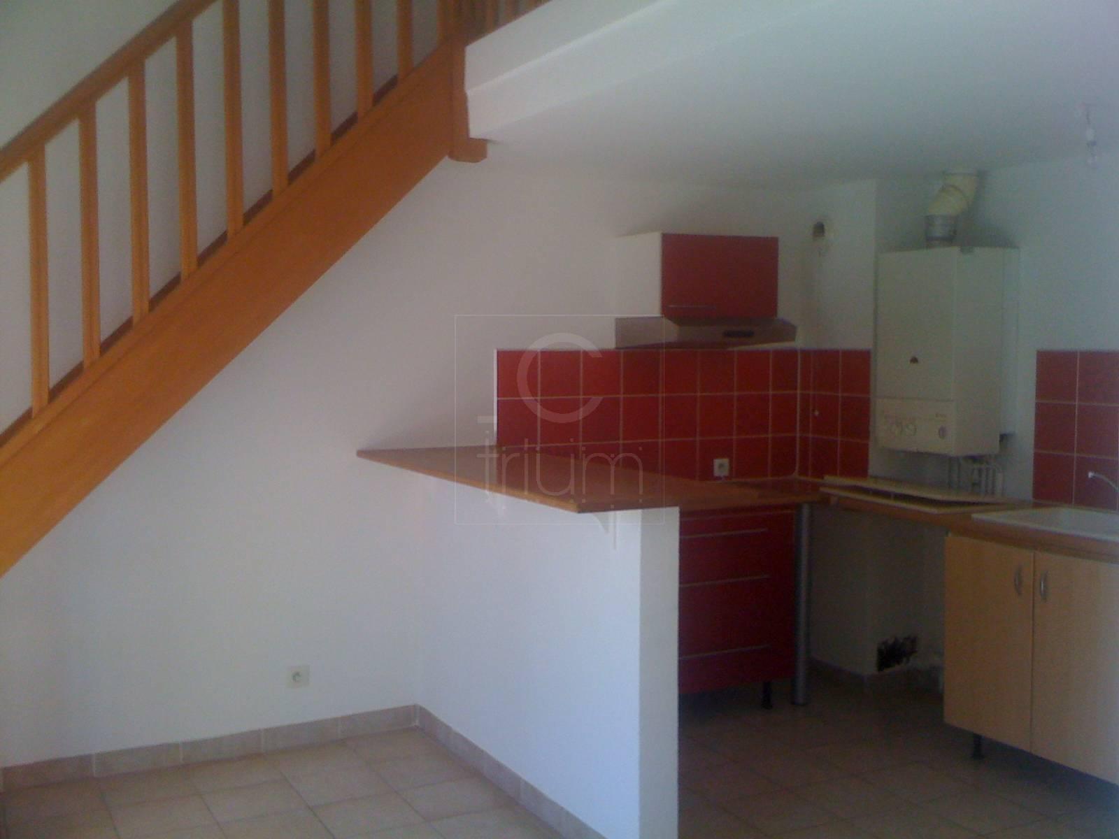 Location appartement t3 f3 roquevaire pont de l 39 toile for Garage pont de l etoile