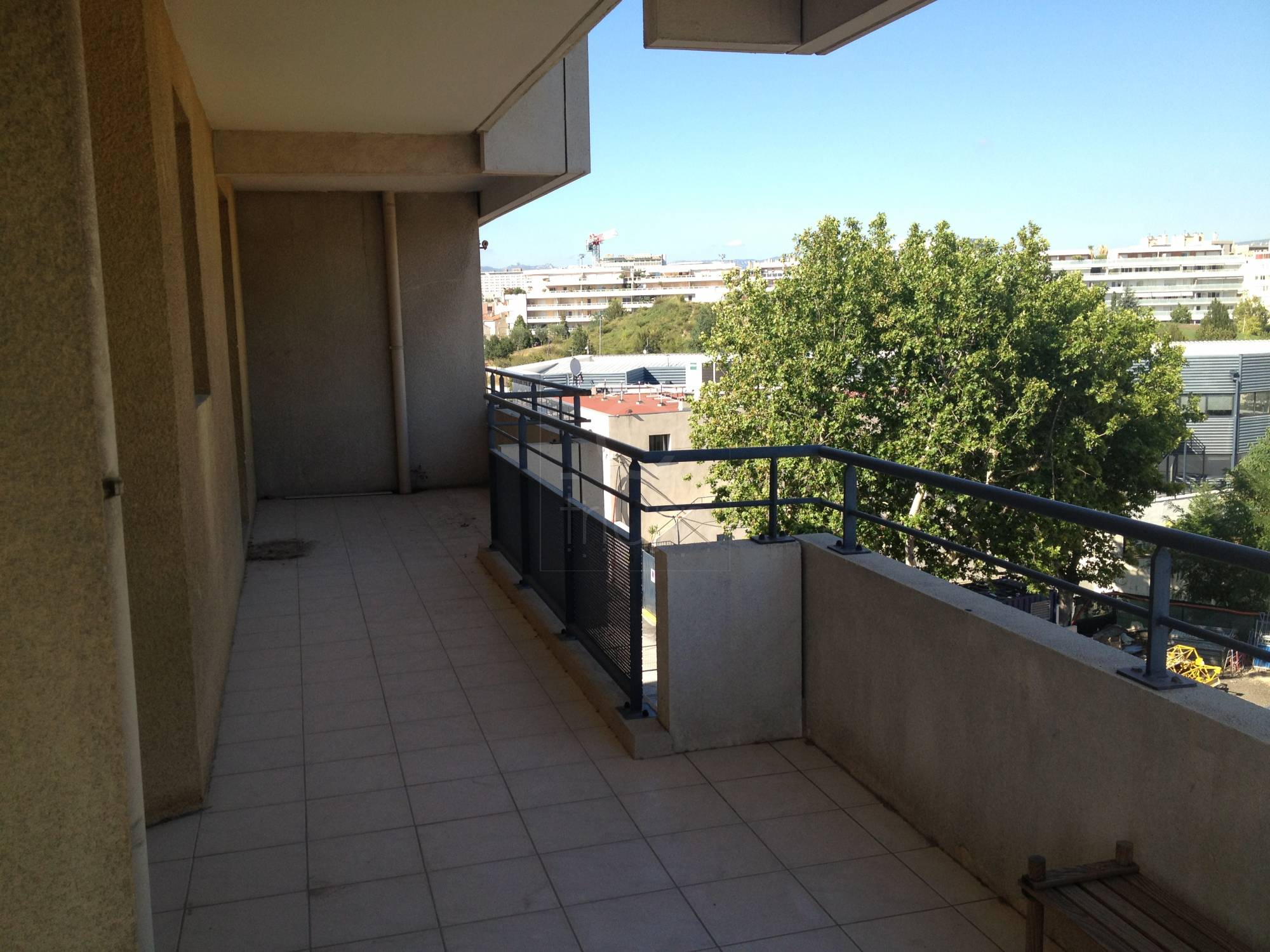 Location appartement t2 f2 marseille 8eme prado rouet for Location appartement marseille terrasse