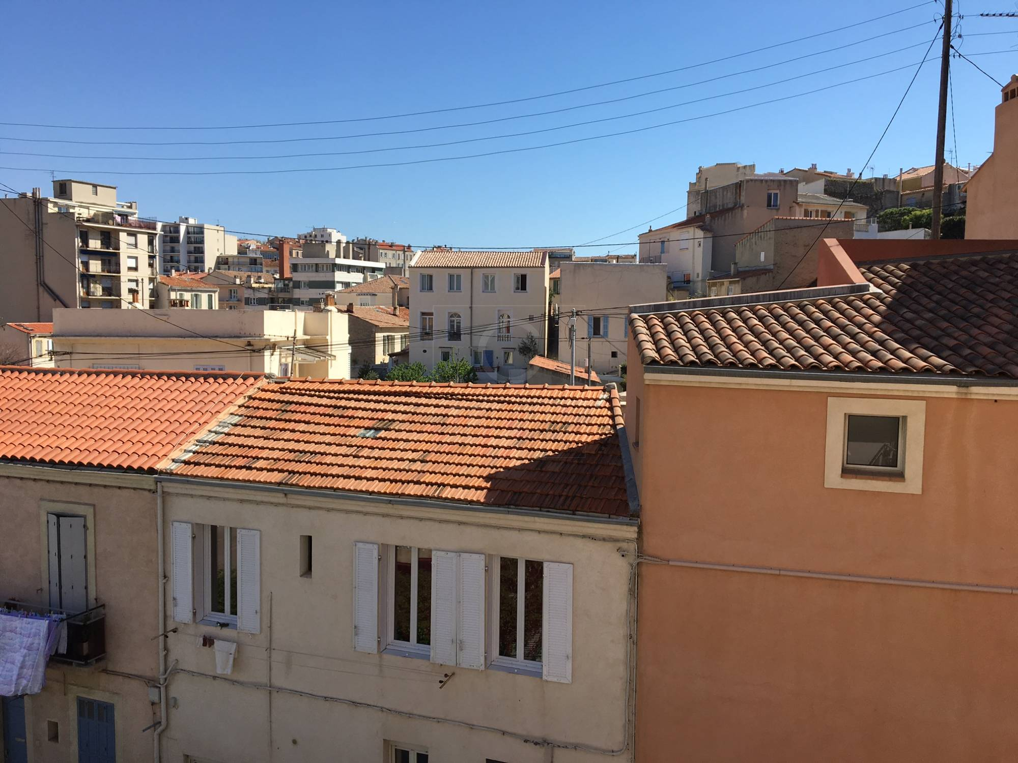 Location appartement t3 f3 marseille endoume 4 septembe for Location garage marseille 7eme