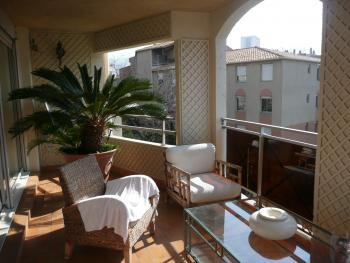 Location appartement t4 f4 marseille 9eme michelet for Location garage marseille 7eme
