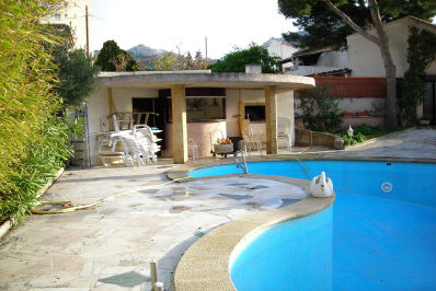 Vente villa t5 6 f5 6 marseille 8eme pointe rouge jardin for Piscine 8eme