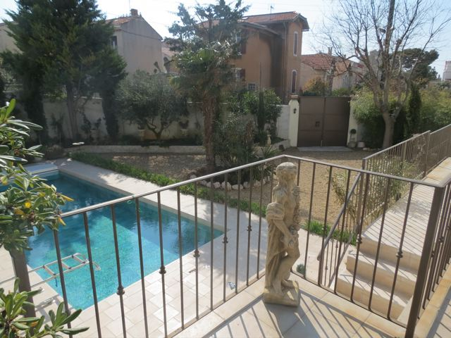 vente maison t5 f5 marseille 7eme bompard maison avec jardin piscine et garage double agence. Black Bedroom Furniture Sets. Home Design Ideas