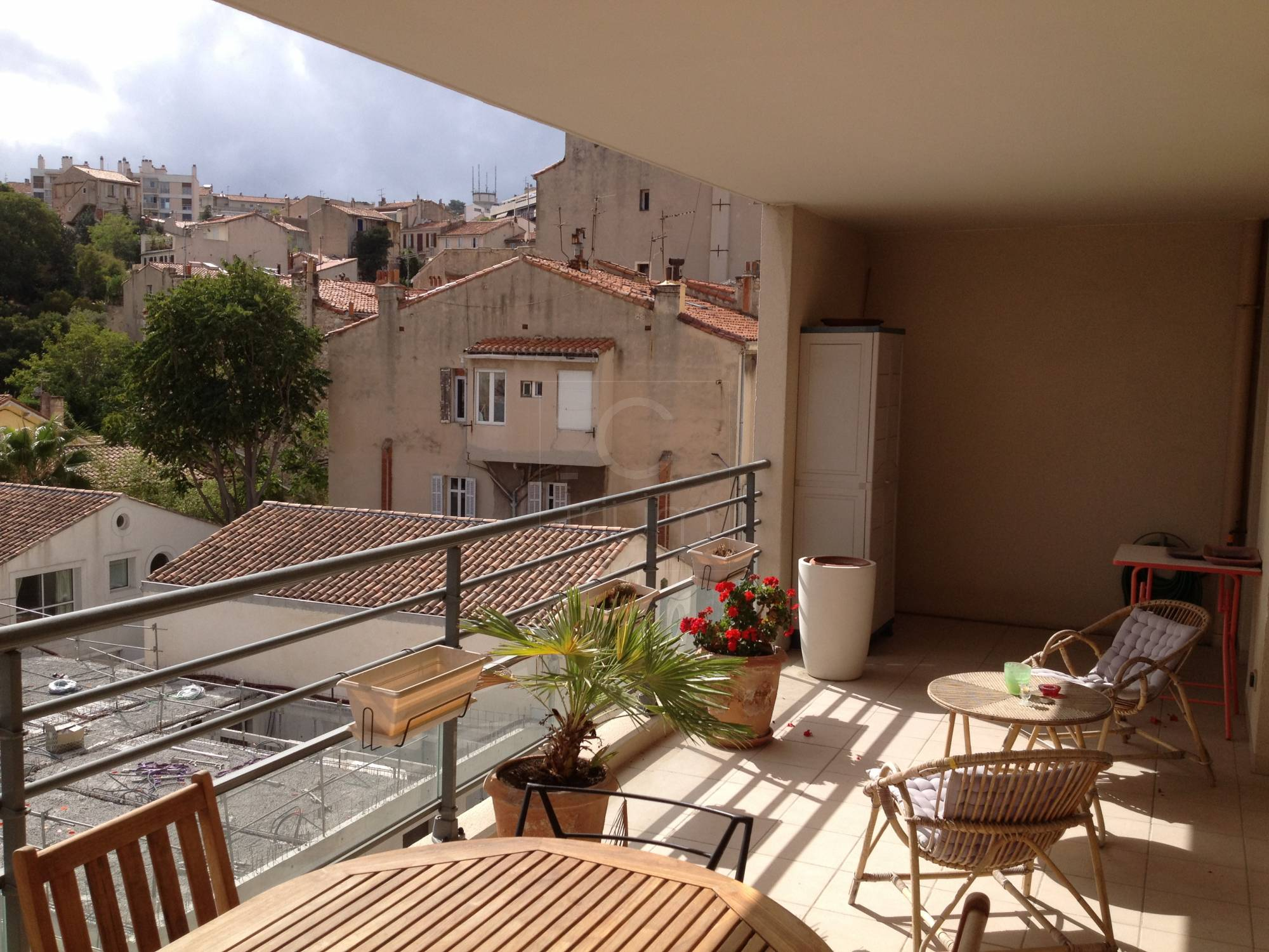 Vente appartement t4 f4 marseille 13006 proximit rue for Appartement atypique 13006