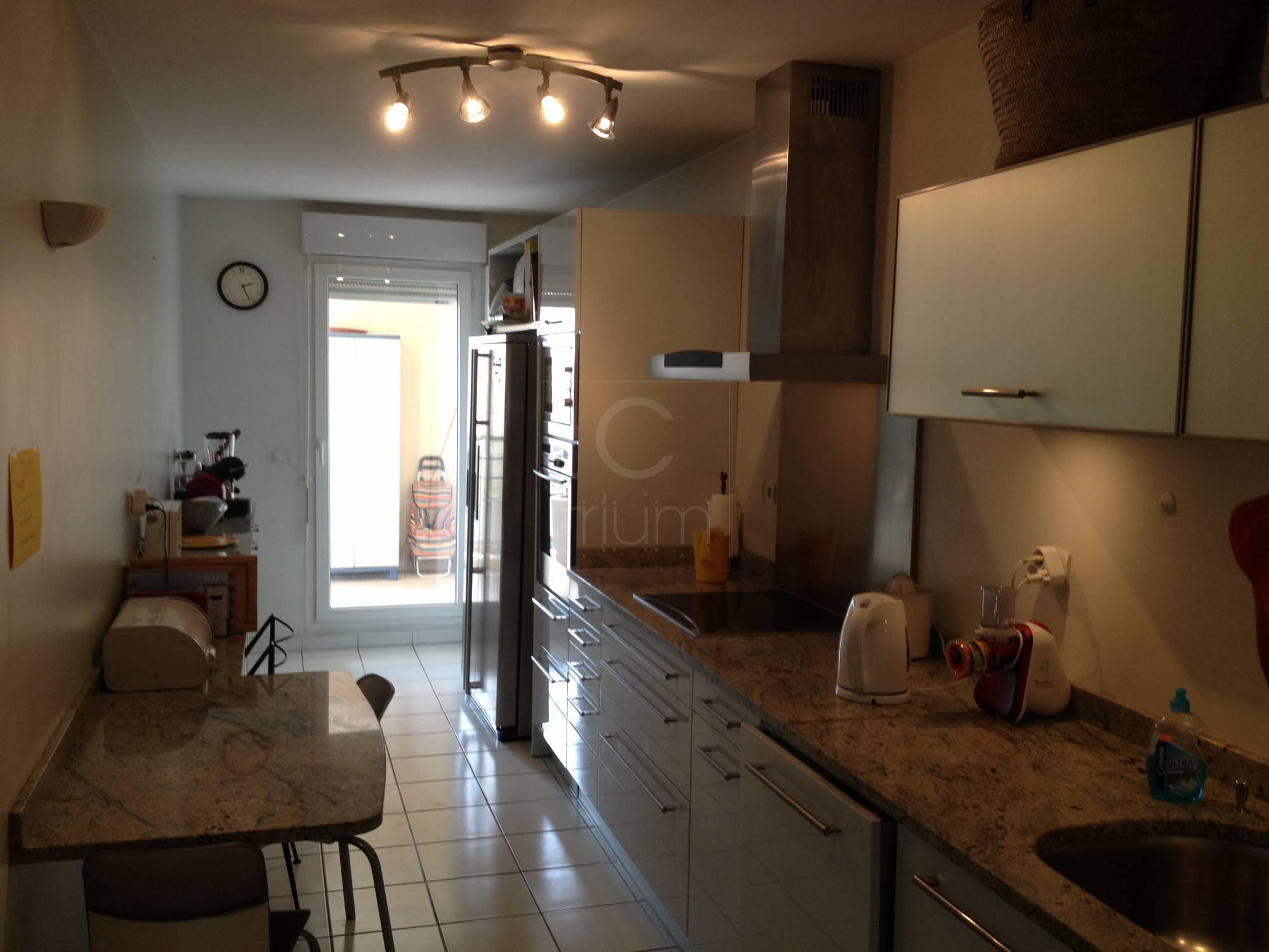 Vente appartement t4 f4 marseille 13006 proximit rue for Deco appartement f4