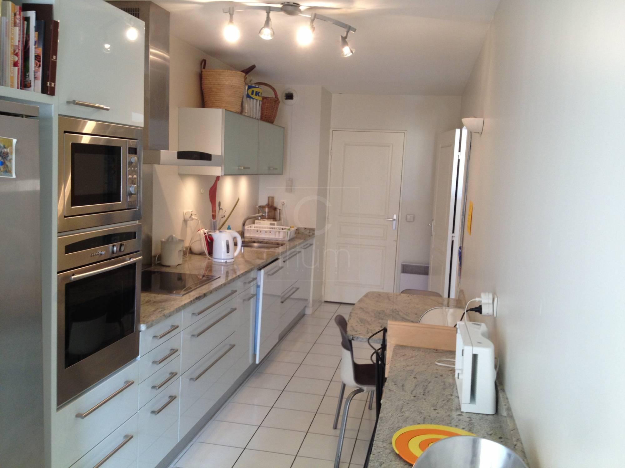 Vente appartement t4 f4 marseille 13006 proximit rue for Deco appartement t4