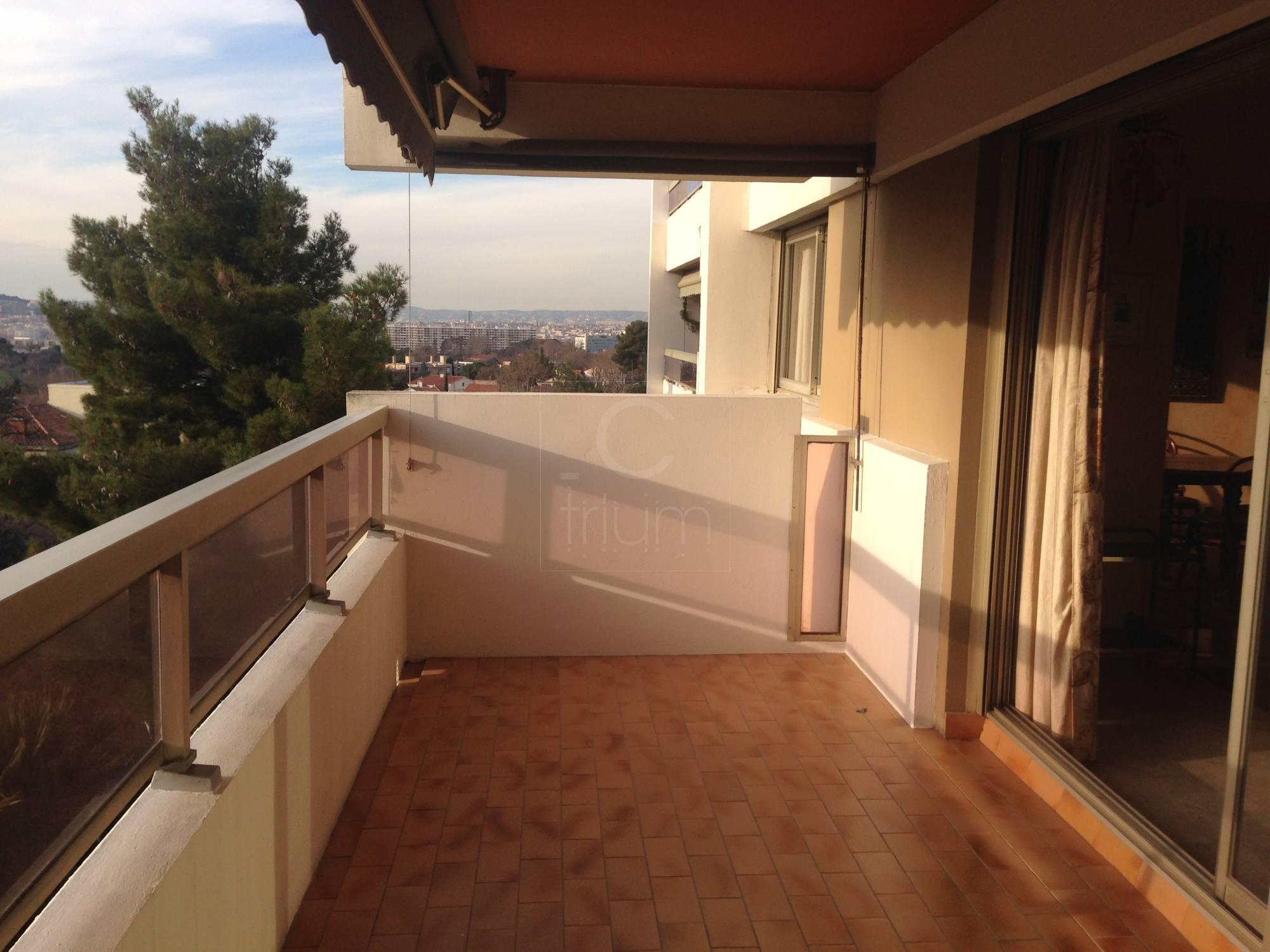Appartement terrasse marseille vente appartement t3 4 f3 for Vente appartement marseille 13005 terrasse