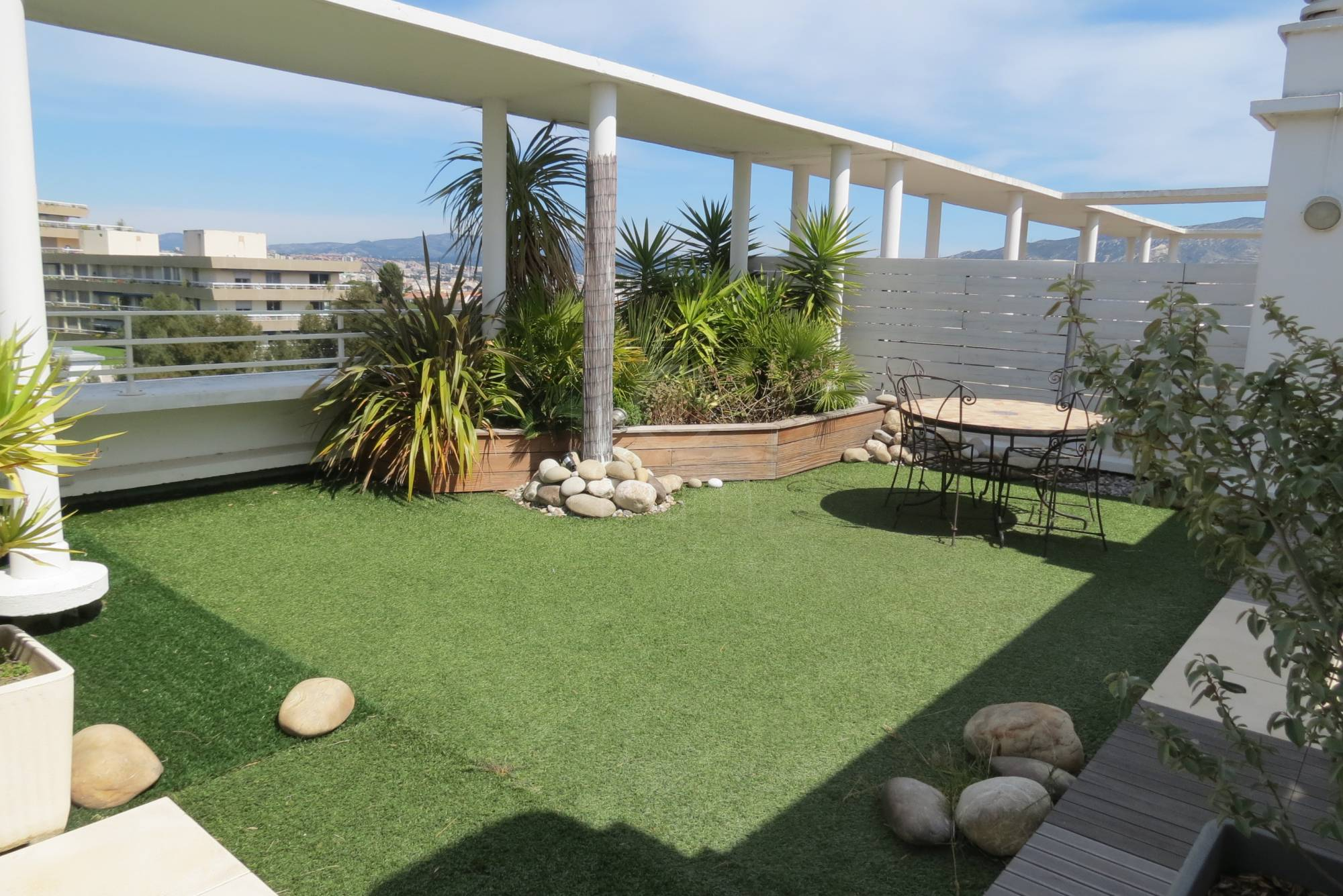 Vente appartement t4 f4 marseille 13008 cdt rolland toit for Location appartement marseille terrasse
