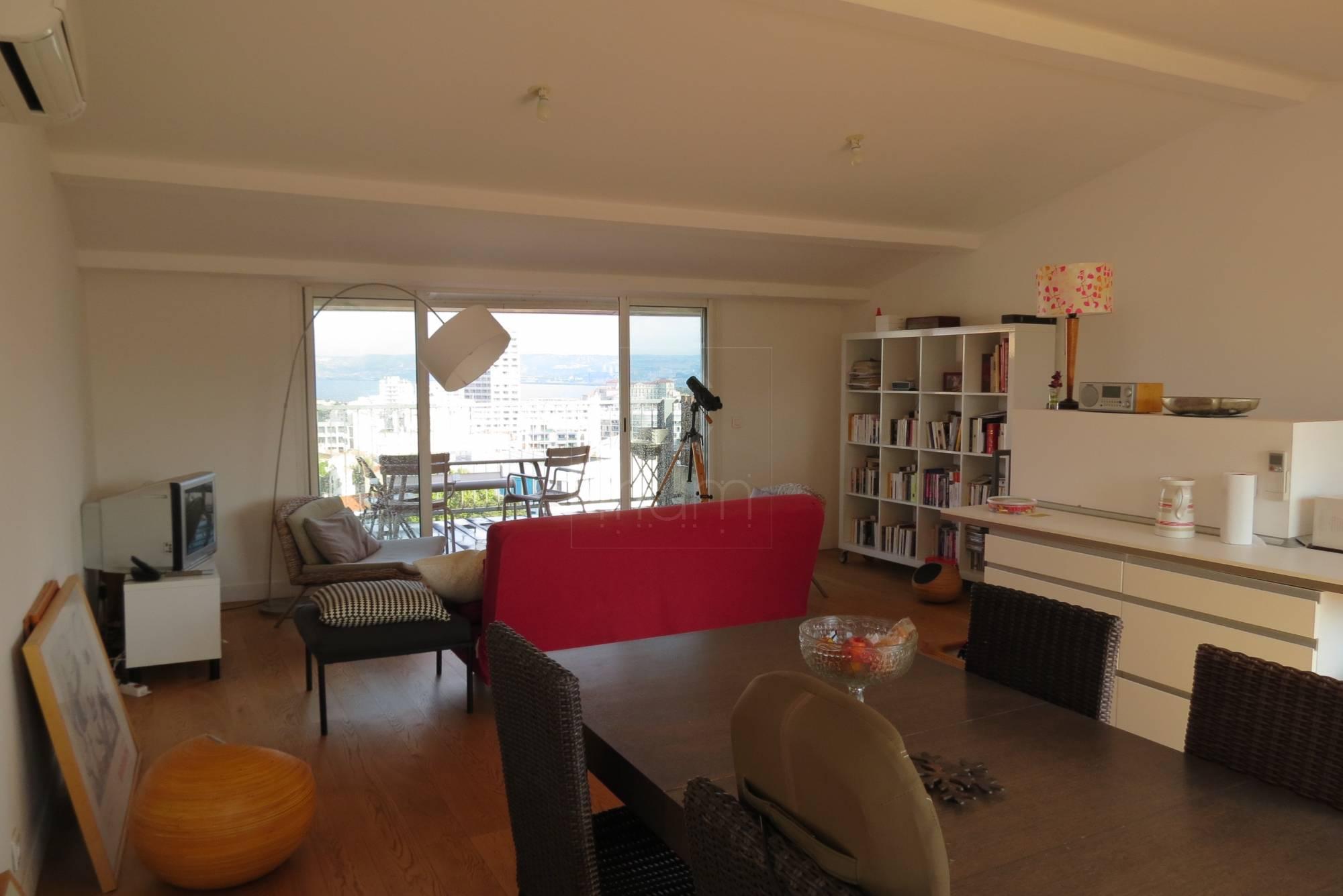 vente appartement t3 f3 marseille 13007 bompard dernier tage grande terrasse vue mer agence. Black Bedroom Furniture Sets. Home Design Ideas