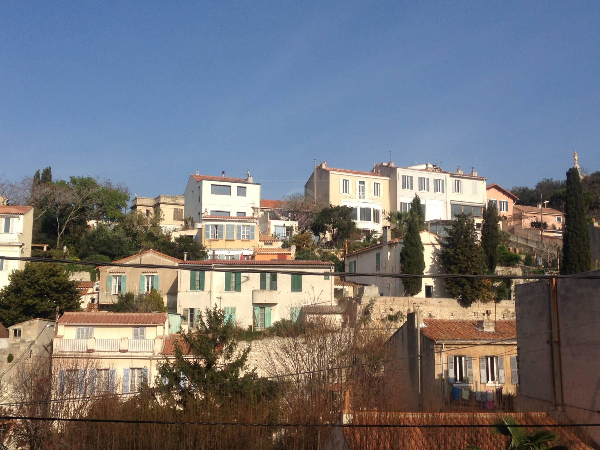 Vente maison t2 f2 marseille 7eme endoume terrasse vue for Terrasse marseille vente