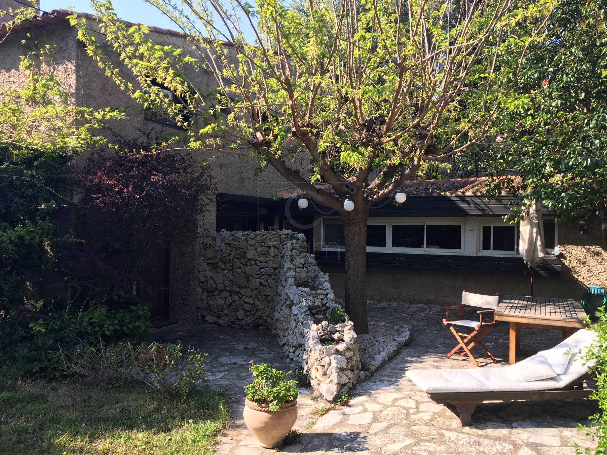 Vente maison marseille 7e jardin terrasse parking t5 f5 for Terrasse marseille vente