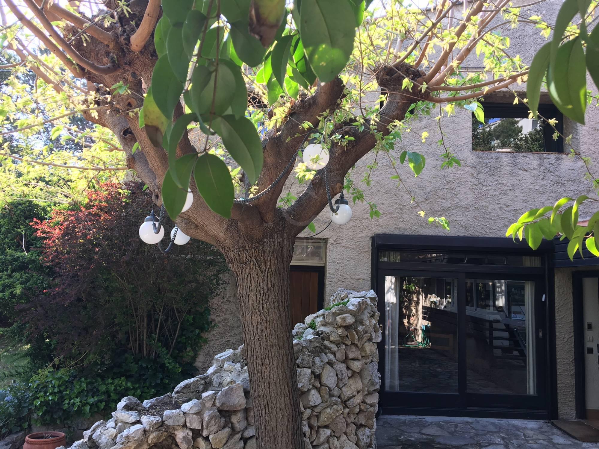 Vente maison marseille 7e jardin terrasse parking t5 f5 marseille endoume place st eug ne agence - Agence immobiliere terrasse et jardin ...