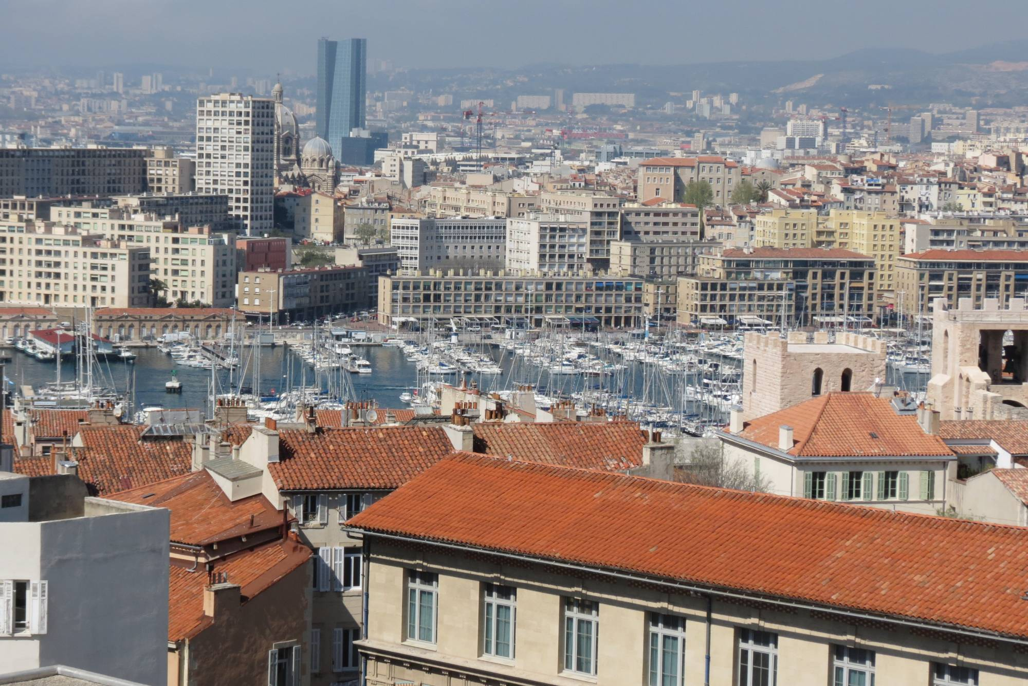 Vente penthouse t3 f3 marseille 7eme st victor terrasse et for Vente appartement toit terrasse marseille