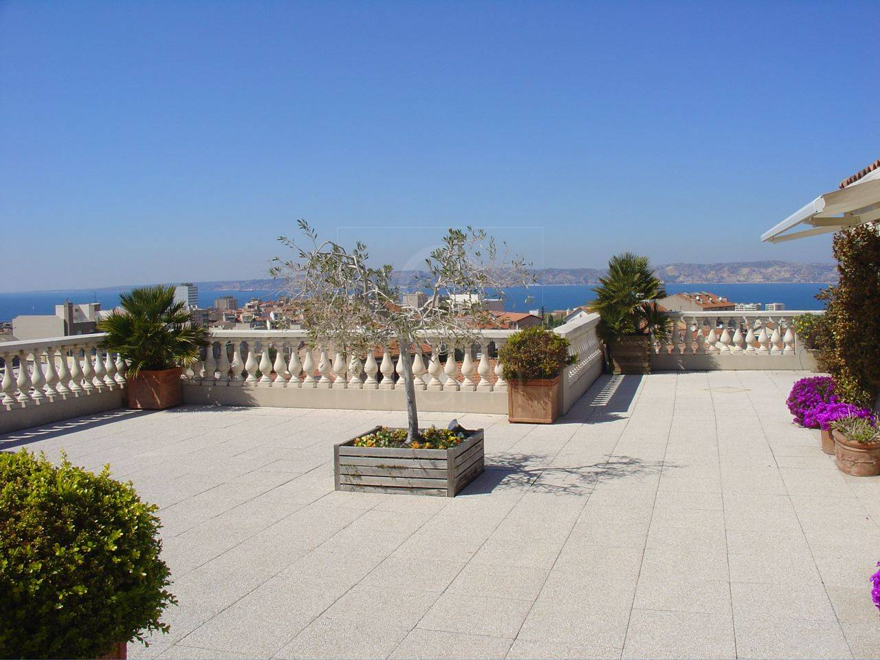 Vente appartement t4 f4 marseille 7eme terrasse et vue mer for Location appartement marseille terrasse