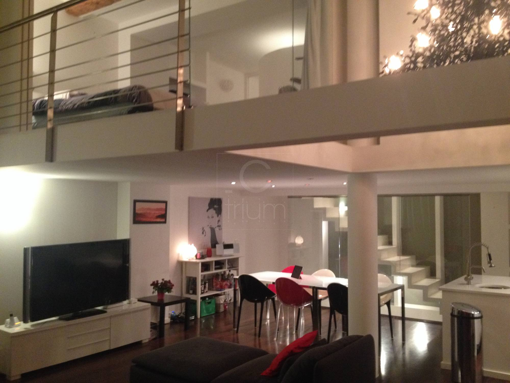 Vente t4 f4 marseille 13006 bd notre dame espace atypique for Agence immobiliere 13006