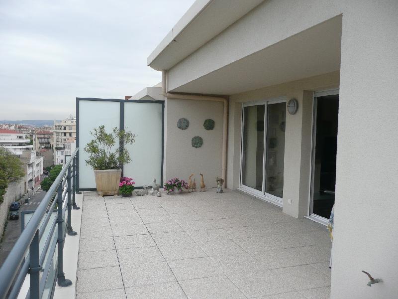 Location prestige villa de luxe avec jardin marseille 13007 agence immobili re marseille 7 me - Table de jardin luxe marseille ...